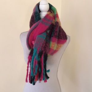 NWT! Betsy Johnson OS neon pink scarf with Fringes